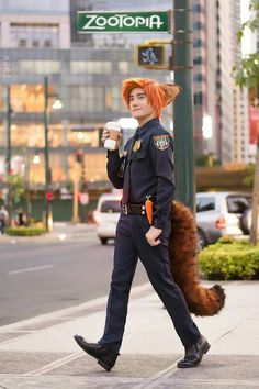 Nick from Zootopia Cosplay by Liui Photographer Lester Castor Photography Cosplay Costumes For Men, Epic Cosplay, Disney Cosplay, Cute Cosplay, Amazing Cosplay, Cosplay Outfits, Halloween Cosplay, Cool Costumes, Halloween Costumes