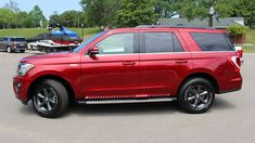 2018 Ford and Expedition: Here's everything that changes Lincoln Suv, Mom Mobile, Hot Moms Club, 2020 Ford Explorer, Yoga For Runners, Ultimate Garage, Asian Market, Ford Expedition, Ford Motor Company