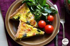 Quiche cu broccoli si somon afumat Savory Tart, Vegetable Pizza, Quiche, Broccoli, Interior Design Kitchen, Healthy Recipes, Healthy Food, Breakfast, Tarts