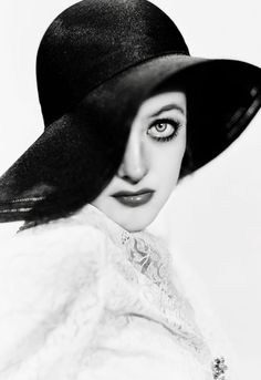 George Hurrell - Joan Crawford (1932)