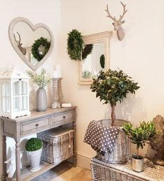 Beautiful corner showcasing our stock. Heart Mirror all online now. Country Farmhouse Decor, French Country Decorating, Snug Room, Home And Deco, Shabby Vintage, Fashion Room, Home Decor Accessories, Home Interior Design, Living Room Decor
