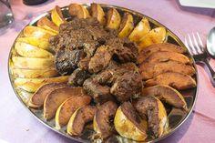 μοσχάρι κυδωνάτο χιώτικο με πιλάφι Recipies, Pork, Beef, Cooking, Ethnic Recipes, Foods, Kitchens, Recipes, Pork Roulade
