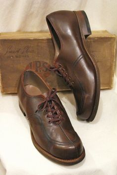 DEAD STOCK 40'S~ J.P.S. BRAND LEATHER LACE UP SHOES (BRN) - PATINAS VINTAGE CLOSET