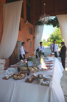 Buffet di aperitivo, Riso e Risa Ricevimenti. Presso Corte Dei Paduli - Wedding Location - Reggio Emilia, Italy.
