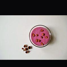Krämig RAWyoghurt!    http://rawfoodmannen.blogg.se/2016/march/baryoghurt.html