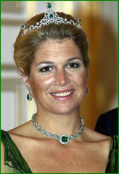 Princess Máxima from The Netherlands wore as a bride the basis of an old Russian diadem that was part of a wedding gift to Queen Emma, second wife of William III. So beautiful! #diamond necklace #necklace #maxima
