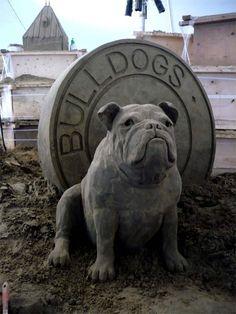 Bulldog Sand Sculpture  Artist: Susanne Ruseler (Quebec Canada) #sandsculpture #sand #sculpture #art