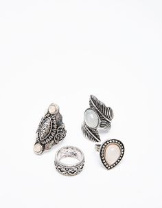 Check out the trends in women's jewelry this fall 2019 at Bershka. Rings, bracelets, earrings and necklaces for your party looks. Fall Jewelry, Jewelry Accessories, Jewelry Design, Women Jewelry, Ring Necklace, Earrings, Boho Grunge, Schmuck Design, Bangles