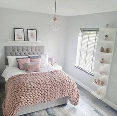 55 pretty pink bedroom ideas for your lovely daughter 11 - Wohnen - schlafzimmer Trendy Bedroom, Cozy Bedroom, Modern Bedroom, Bedroom Wall, Contemporary Bedroom, Bedroom Simple, Ikea Bedroom, Bedroom Storage, Minimalist Bedroom