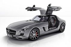 Known for crafting vehicles that strongly emphasize world-class luxury and refinement, the three pointed star automobile brand, Mercedes-Benz has now rolled-out an exclusive 2013 Mercedes-Benz SLS AMG GT that boasts enhanced driving dynamics and even bett