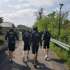 Pozdrowienia z Kędzierzyna-Koźla  Na początek dzisiejszych przygotowań wybraliśmy się na krótki spacer  #TeamSkra #spacer #KędzierzynKoźle #wiosna