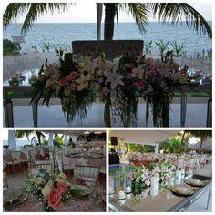 #mesadenovios #recepcion #bodasenlaplaya #beachweddings #cancunbodas #bodasdedestino #destinationwedding #partyboutiquecancun #prettyflowers #mobiliario para eventos #mobiliarioparabodas