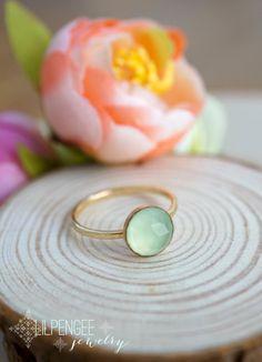 8mm aqua chalcedony gold ring.  14K goldfill gemstone ring. mint green. aqua ring.
