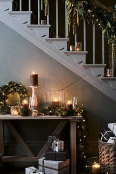 25 Inspiring Rustic Christmas Decorations And Wreaths Ideas. Hexagonal tiles are making their way back into the bathroom in all sizes colors and textures especially on shower floors Christmas Hallway, Christmas Stairs Decorations, Cosy Christmas, Christmas Trends, Country Christmas, Christmas Inspiration, Christmas Home, Woodland Christmas, Handmade Christmas