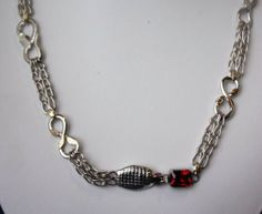 Beautiful Cobra inspired chain and box clasp designed and fabricated by Trung Le. Just amazing! Photo by Wayne Jones
