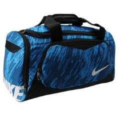 Nike Team graphic grip duffle bag £15.00 - prefect for sports such as football, rugby and boxing #SportsHoldall #DuffleBag #Nike http://www.mrluggage.com/nike-team-graphic-grip-small-duffle-bag-701035?colcode=70103518