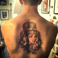 What does queen nefertiti tattoo mean? We have queen nefertiti tattoo ideas, designs, symbolism and we explain the meaning behind the tattoo. Baby Tattoos, Cute Tattoos, Girl Tattoos, Nefertiti Tattoo, Dna Tattoo, Black Girls With Tattoos, Queen Nefertiti, Egyptian Tattoo, Twitter Image