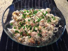 Playing With My Food!: Warm Potato Salad (Earls Restaurant Copycat Recipe) The latest recipes and sw Hot Potato Salads, Potato Salad Dill, Side Recipes, Dinner Recipes, Dessert Recipes, Cooking Recipes, Healthy Recipes, Healthy Food, Yummy Food