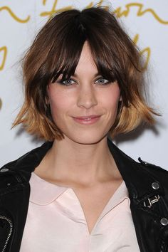 [/b] Alexa Chung, 2010 [b]The Look: [/b] Ombre choppy bob [b]What makes it iconic?[/b] Soft, centre-parted fringe and messy, ombre choppy layers: this is one seriously cool bob. Short Messy Bob, Long To Short Hair, Shaggy Bob Hairstyles, Trending Hairstyles, Long Haircuts, Celebrity Short Hair, Celebrity Hairstyles, Chopped Haircut, Medium Hair Styles