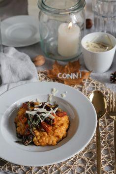 Einfaches Herbstrezept: Kürbisrisotto mit karamellisierten Kürbiskernen und vier Ideen für eine herbstliche Tischdeko Veggie Dishes, Palak Paneer, Chana Masala, Soul Food, Dinner Recipes, Veggies, Low Carb, Pasta, Meals