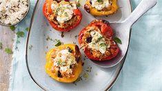 Gevulde paprika's met aubergine, tomaten en cottage cheese