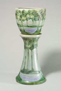 Roseville Vista jardiniere, 9 1/2 inches, and pedestal, 18 inches. The jardiniere is marked 589-9 with blue inkstamp.