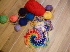 String Theory Crochet: How to Crochet a Rainbow, Spiral Dream Catcher. Part 1