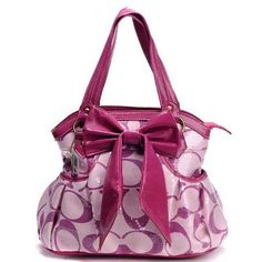 Coach handbag was inspired by a baseball glove? Maybe that's why as handbag fashion trends come and go Coach remains constant with its classic styles Coach Handbags Outlet, Coach Outlet, Coach Purses, Handbags On Sale, Purses And Handbags, Leather Handbags, Discount Coach Bags, Cheap Coach Bags, Cheap Purses