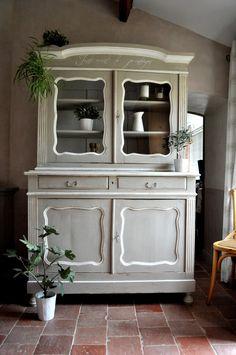buffet vaisselier interior 39 s blanc cr me ivoire ameublement ain saint hubert. Black Bedroom Furniture Sets. Home Design Ideas