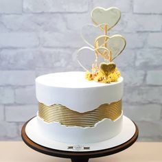 Cake Decorating Frosting, Creative Cake Decorating, Birthday Cake Decorating, Cake Decorating Techniques, Creative Cakes, Cake Design For Men, Simple Cake Designs, Bolo Glamour, Carolines Cakes