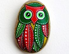 Hand Painted Pebble Owl / Beach Stone with hand-painted designs in acrylics © Sehnaz Bac 2016  I paint and draw all of my original designs by hand with the small brushes or paint pens with extra fine tip. I use also different inks. No stencils are used. All designs are created with my imagination.  These pebbles were found on the beaches of Adriatic Sea. Each was chosen for its shape, smoothness and uniformity. They are protected with 2 or 3 layers of high quality glossy acrylic varnish ...