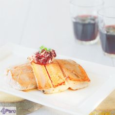 salmon with herb butter - English recipe - an elegant recipe ideal for Christmas or Easter. The salmon is dressed up with a herb butter made of red wine and onions. Truly delicious