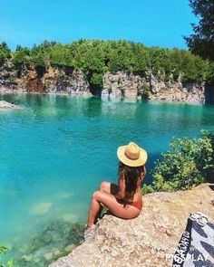 Ontario's Blue Swimming Spots Are The Perfect Warm Weather Oases - Narcity Beautiful Places To Visit, Oh The Places You'll Go, Places To Travel, Beaches In Ontario, Lac Huron, Ontario Travel, Toronto Travel, Ontario Provincial Parks, Toronto Island