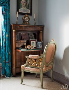 Turquoise silk curtains, Mahagoni desk with a a pale green Louis Seize chair pulled up against
