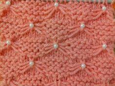 Tricô : Como colocar pérola no ponto lacinho / borboleta - YouTube Baby Cardigan Knitting Pattern, Lace Knitting Patterns, Knitting Stiches, Knitting Videos, Arm Knitting, Crochet Videos, Knitting For Beginners, Crochet Designs, Knitting Designs