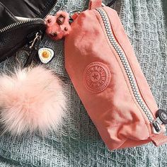 Image about pencil case in Material escolar by L. Stationary School, School Stationery, Cute Stationery, Sacs Kipling, Kipling Backpack, Too Cool For School, Back To School, My Bags, Purses And Bags