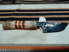 Check out this item in my Etsy shop https://www.etsy.com/listing/248901432/cherokee-skinning-knife-2001