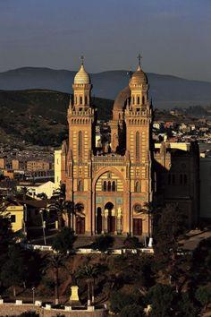 YannArthusBertrand2.org - Fond d écran gratuit à télécharger || Download free wallpaper - Basilique Saint-Augustin à Annaba, Algérie