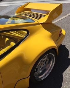 964 RS CS 🤩 ownRS 💛 yes my yellow fever is back 🌡🤒 . Porsche Wheels, Porsche Sports Car, Porsche 911 Turbo, Porsche Classic, Classic Cars, Porsche Carrera, Porsche Cayman 981, Jdm, Custom Porsche