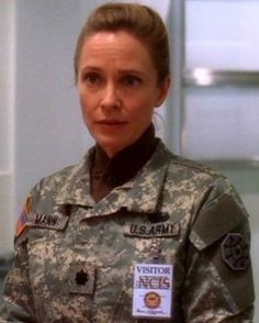 Hollis is back in the new season. Do you think Holly and Gibbs will get together again? Drama Tv Series, Series Movies, Emily Wickersham Ncis, Timothy Mcgee, Susanna Thompson, Ncis Gibbs Rules, Leroy Jethro Gibbs, Ncis Cast, Lauren Holly