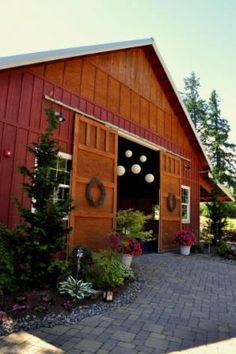 1000 Ideas About Barn Wedding Venue On Pinterest