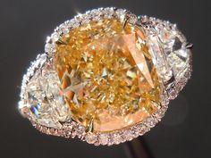 DREAM half moon diamond ring
