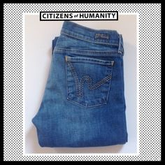 "CITIZENS OF HUMANITY Kelly Low Waist BootCut CITIZENS OF HUMANITY Kelly Low Waist BootCut stretch. Excellent Condition!  Inseam 30"". Citizens of Humanity Jeans Boot Cut"