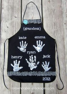 cute mothers day apron for grandma