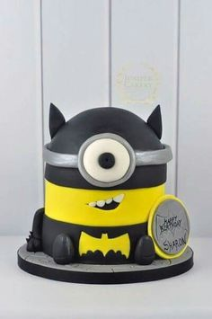 Minion batman cake!