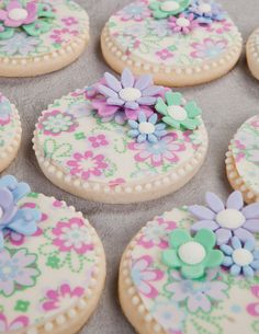 How to make Chocolate Coated Flower Cookies