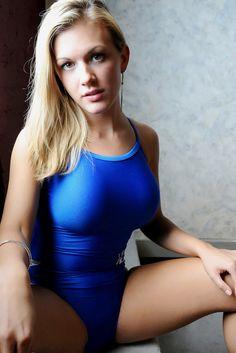 """theonepieceswimsuit:  """"Синий цельный купальник  """""""