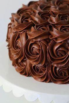 whipped chocolate buttercream frosting ~ http://iambaker.net