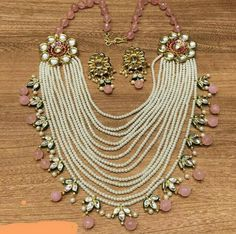Buy Jewellery Online in India Indian Wedding Jewelry, Indian Jewelry, Bridal Jewelry, Beaded Jewelry, Buy Jewellery Online, Fancy Jewellery, Jewelry Patterns, Just In Case, Necklace Designs