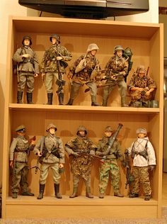 Small Soldiers, Toy Soldiers, Gi Joe 1, Military Action Figures, Iron Man Suit, German Uniforms, German Army, Figure Model, Military Art